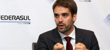 Eduardo Leite é finalista mundial do prêmio 'Político do Ano' concedido por entidade britânica