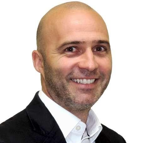 Gustavo Valadares