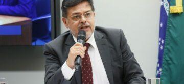 Eduardo Barbosa debate andamento da vacinação de idosos contra a COVID-19