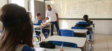 Volta às aulas presenciais é tranquila na rede municipal em Coronel Fabriciano
