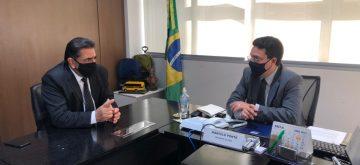 Domingos Sávio cobra do FNDE atualização em sistema para regularizar situação de prefeituras