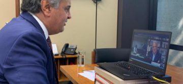 Aécio conversa com presidente da Anvisa diz sobre vacina SPUTNIK.