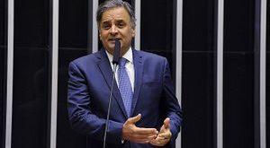 Aécio destaca aprovação da PEC que aumenta FPM para prefeituras